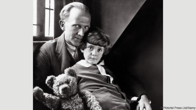 aa-milne-and-son-christopher-with-bear